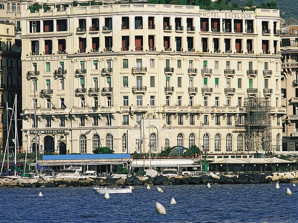 Hotel excelsior a luxury collection hotel naples hotel for Design hotel naples italy